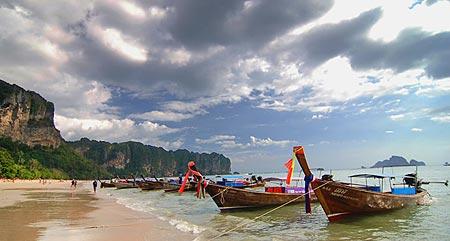 หาดอ่าวนาง ทะเลใกล้หาดคลองม่วง