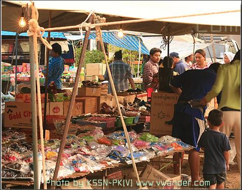 ตลาดสดบ้านคลองม่วง  Klong Muang Market